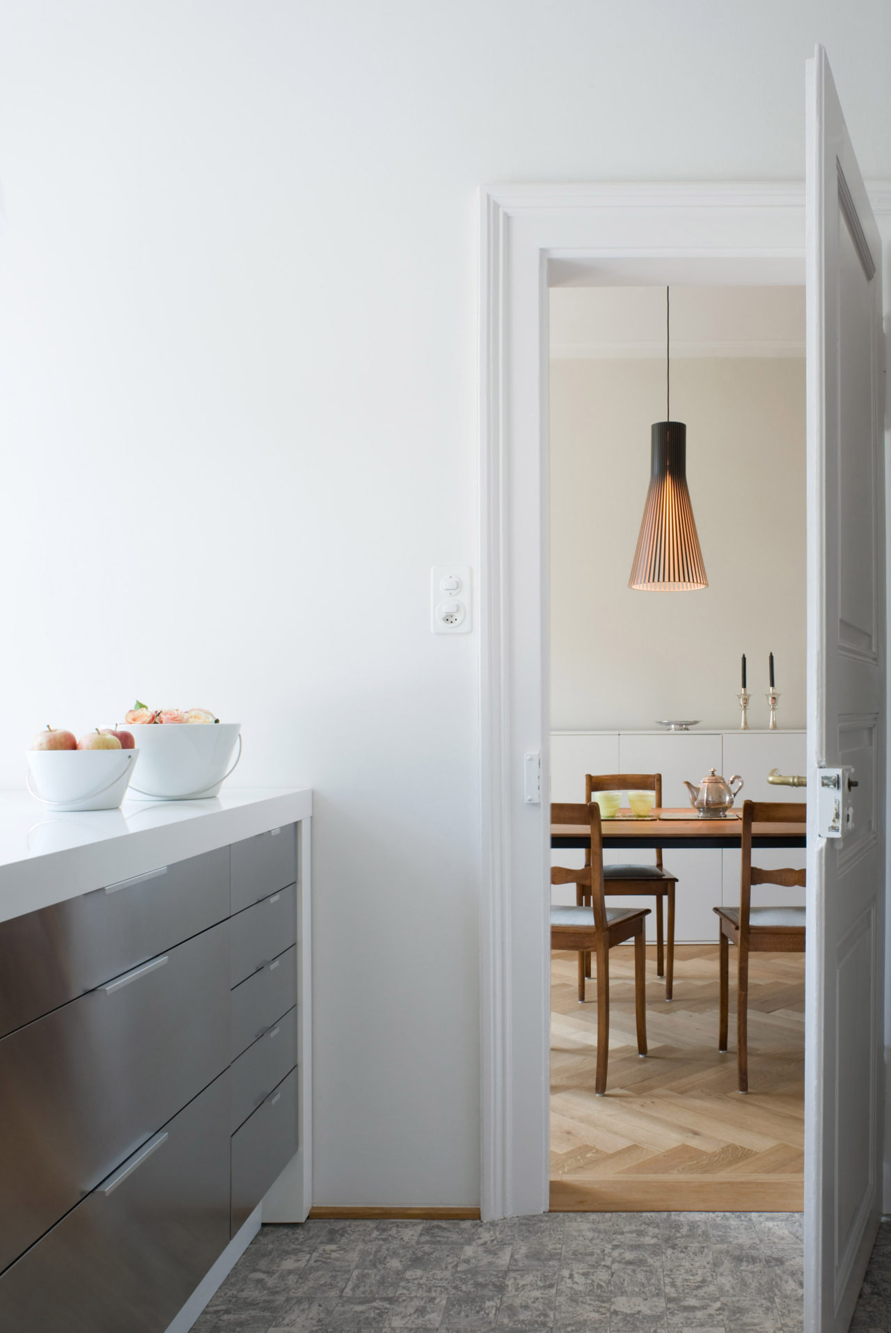 Küche im 1.Obergeschoss nach Umbau und Ausbau von Architekturbüro Forsberg in Basel