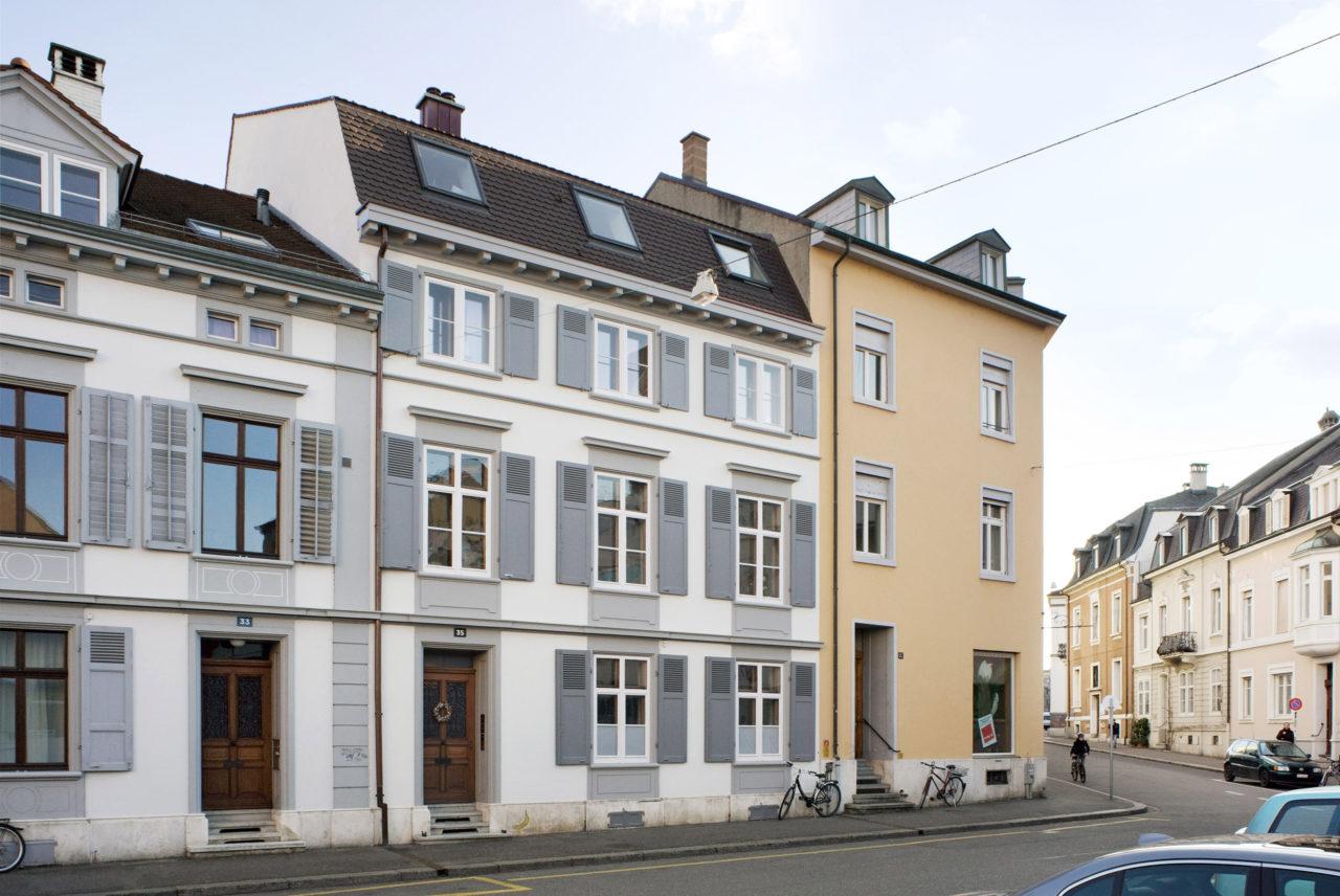 Strassenansicht nach Umbau und Ausbau von Architekturbüro Forsberg in Basel
