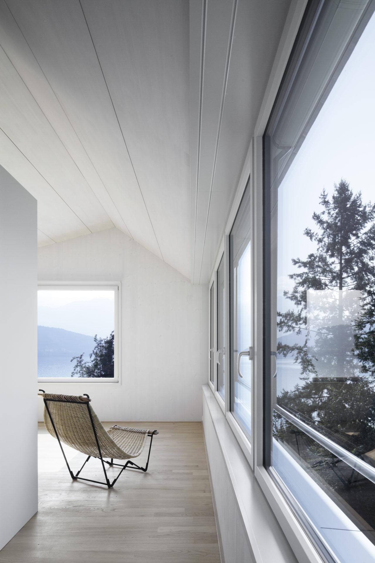 Wohnen / Schlafen im Dachgeschoss nach Umbau von Architekturbüro Forsberg in Basel