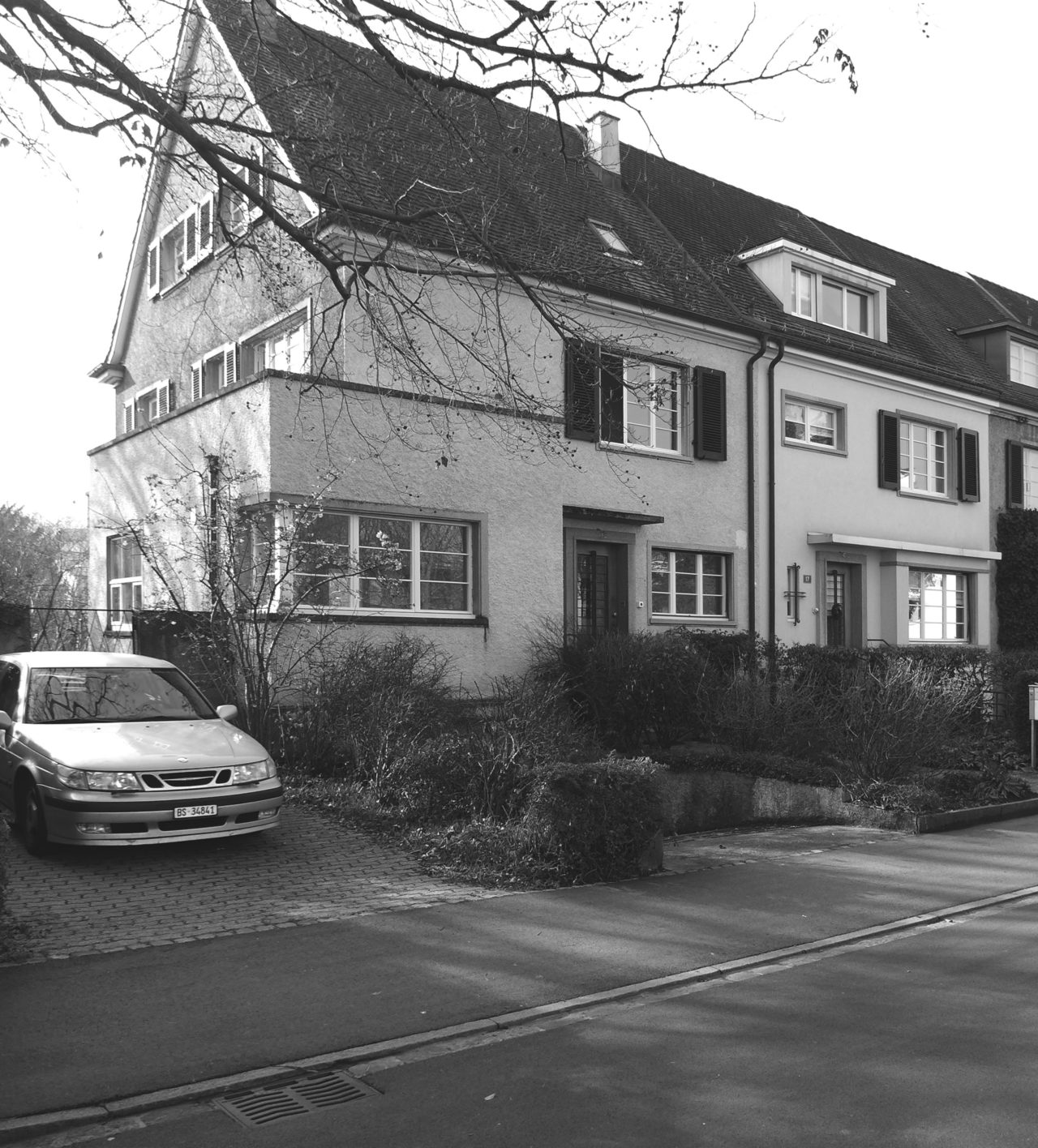 Strassenansicht nach Renovation von Architekturbüro Forsberg in Basel