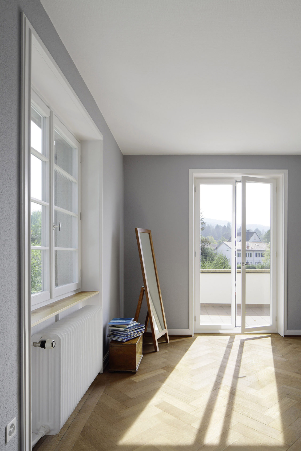 Schlafzimmer nach Renovation von Architekturbüro Forsberg in Basel