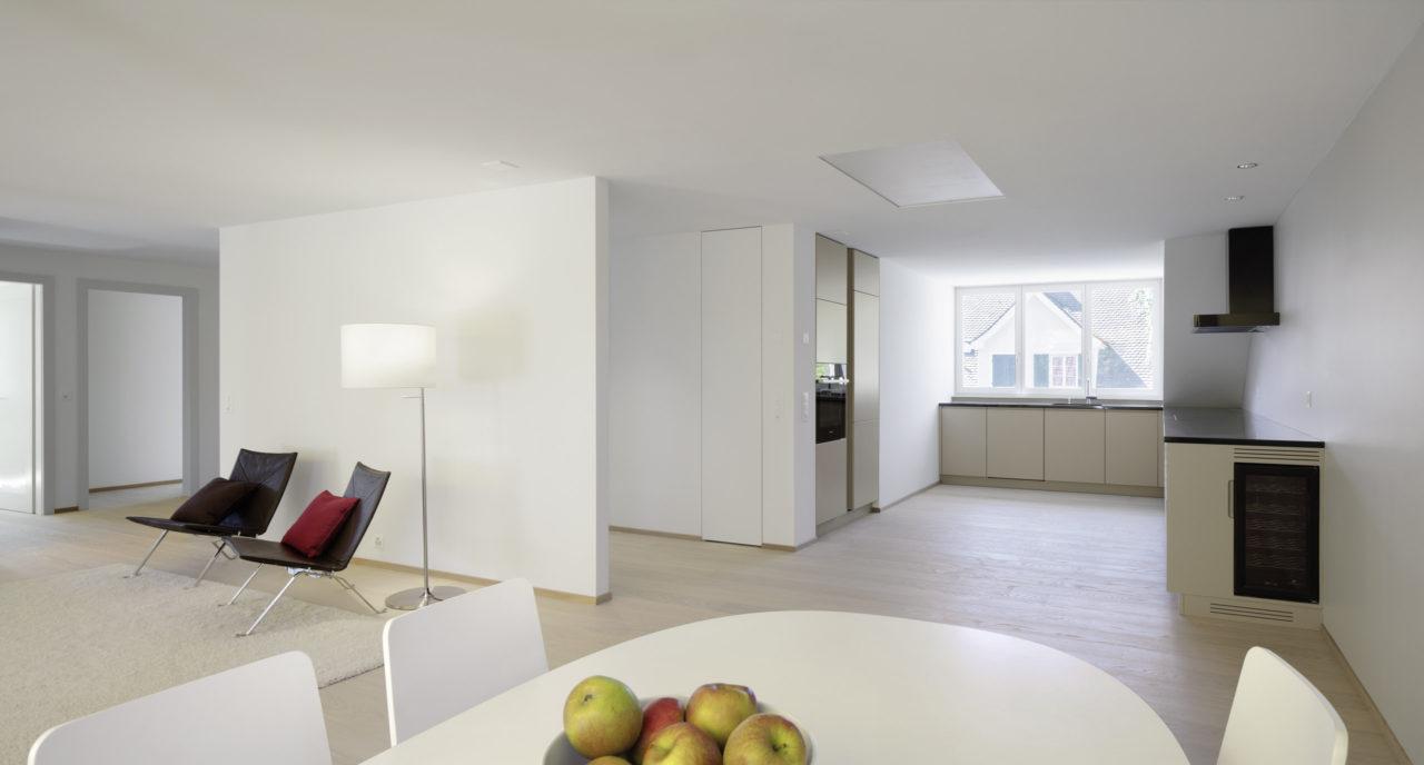 Wohnräume im Dachgeschoss nach Umbau / Dachausbau von Architekturbüro Forsberg in Basel