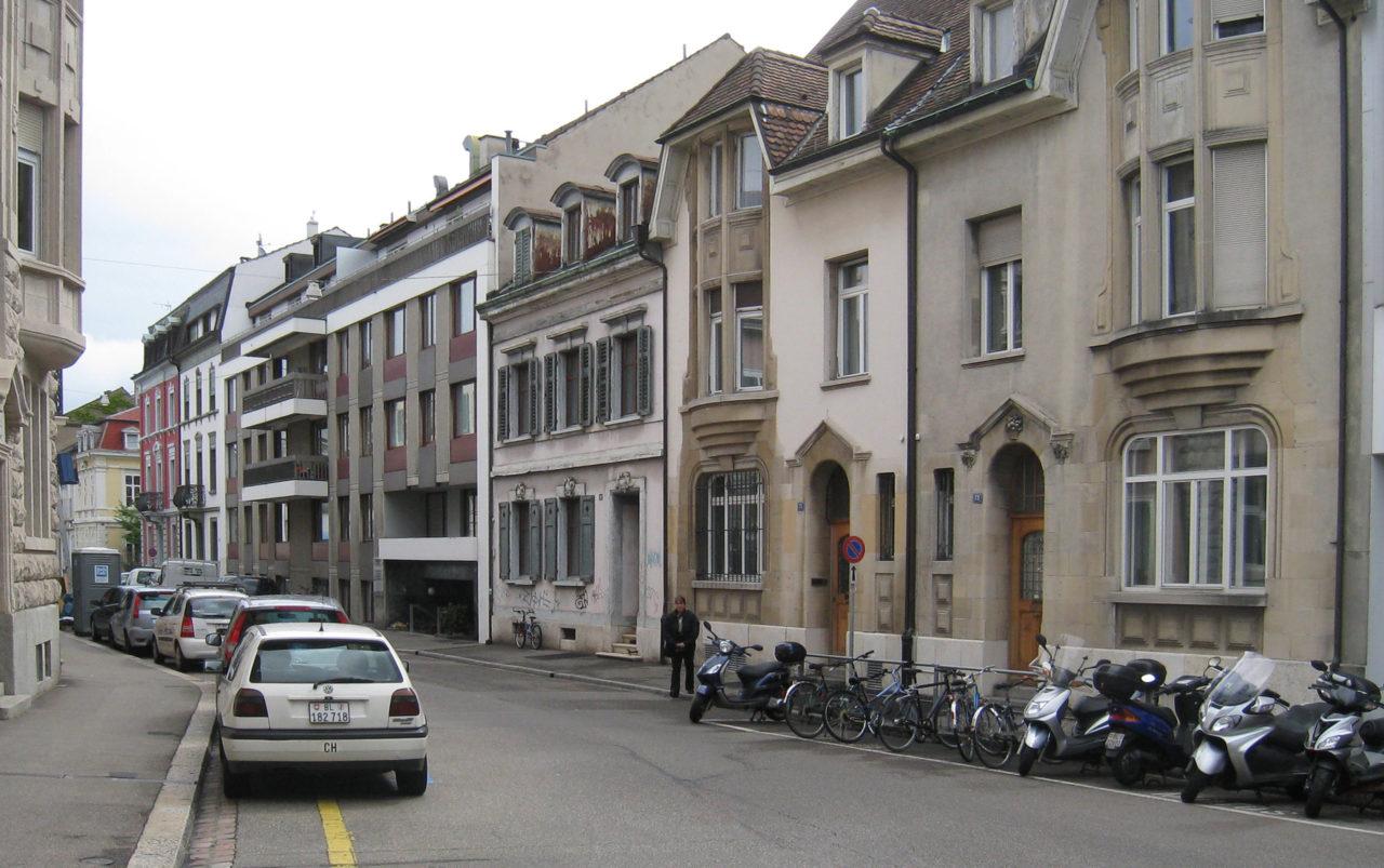 Strassenansicht vor Umbau und Ausbau (Dachausbau)von Architekturbüro Forsberg in Basel