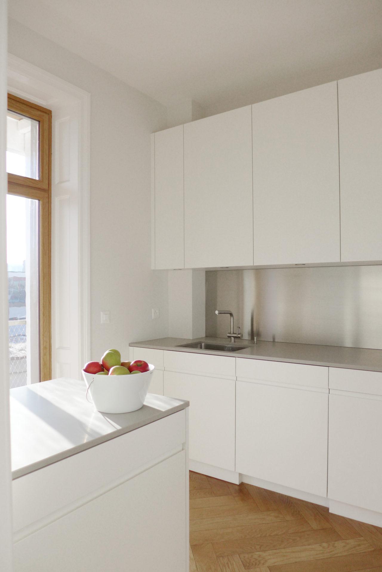 Küche im 1.Obergeschoss nach Umbau und Ausbau (Dachausbau)von Architekturbüro Forsberg in Basel