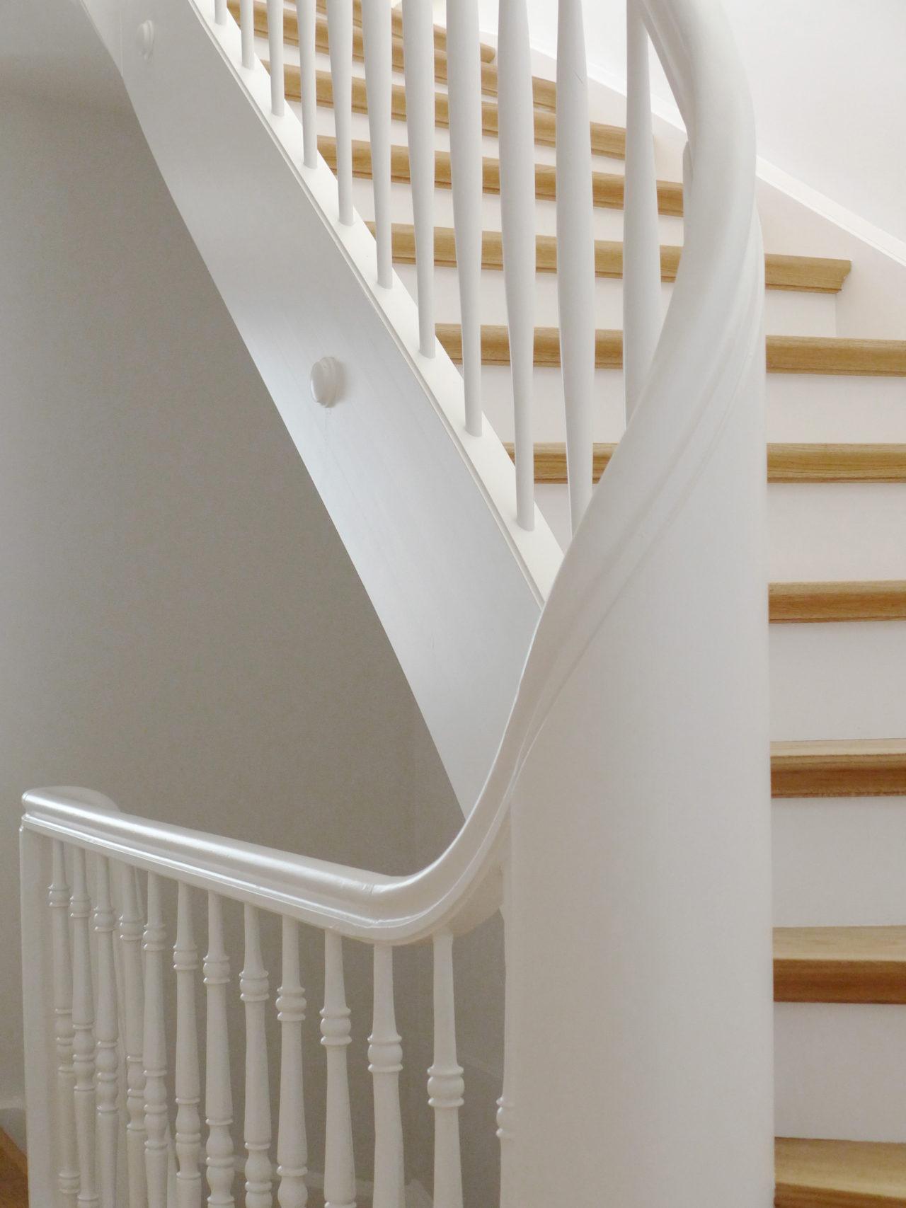 Weiterführung bestehender Treppe ins Dachgeschoss nach Umbau und Ausbau (Dachausbau)von Architekturbüro Forsberg in Basel